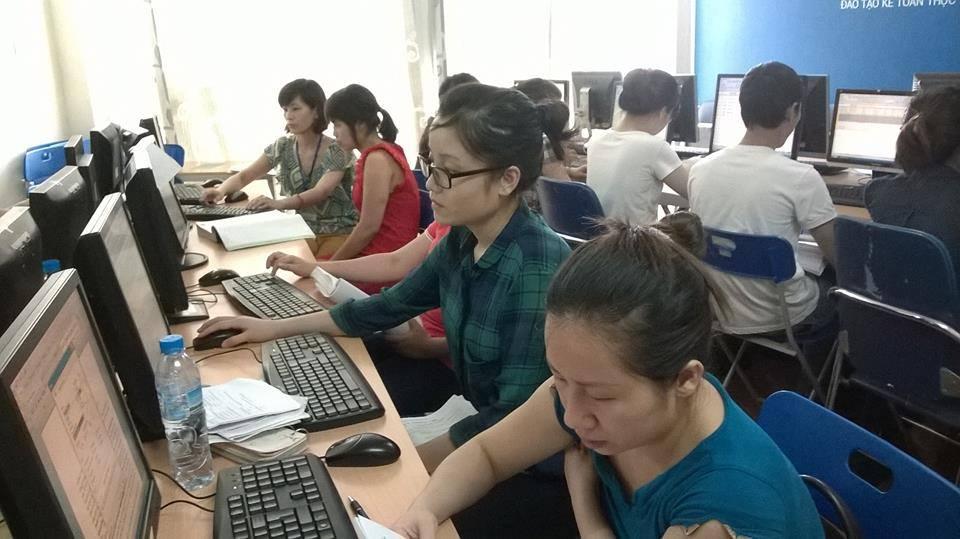 Lớp học kế toán tại hoàng mai